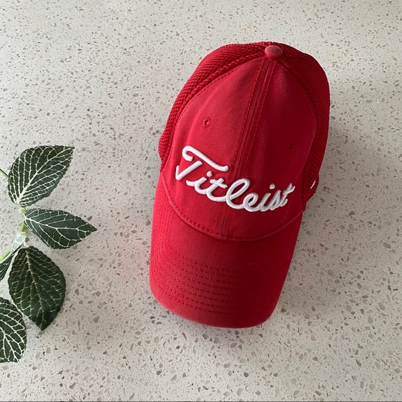 TITLEIST Pro V1 Mesh Fitted Hat Red Men's S/M